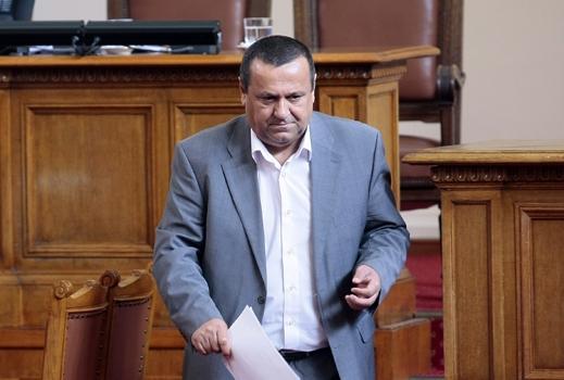 Ранното пенсиониране е големият проблем, заяви министър Адемов