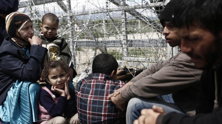 ДАИ прибира шофьорските изпити, МВР: Бежанците по-малко, но по-агресивни