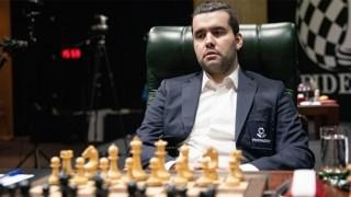 Ян Непомнящи поведе в турнира на претендентите след петия кръг