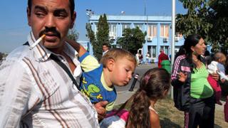 Барозу завоалирано разкритикува Франция за ромите