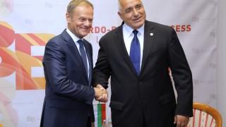 """""""Много високи"""" залози в спора за миграцията в ЕС видя Туск"""