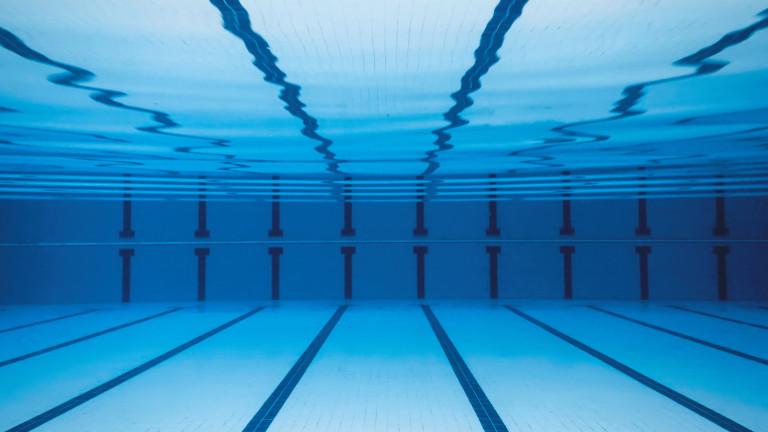 2f1de31977e Повечето американци използват басейните като обществени бани за къпане