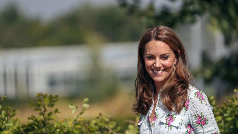 Преди броени дни принцеса Шарлот прекрачи за първи път училищния