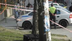 Младеж се барикадира в дома си в София