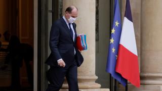 Франция налага по-строги ограничения в цялата страна
