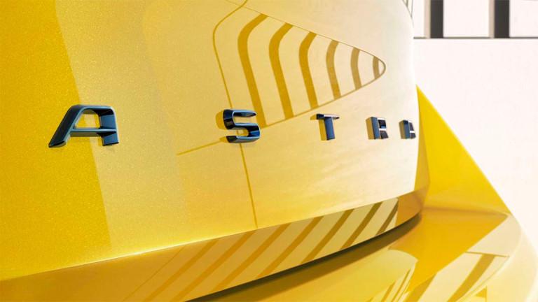 Opel публикува поредица от тийзър изображения на новото поколение на