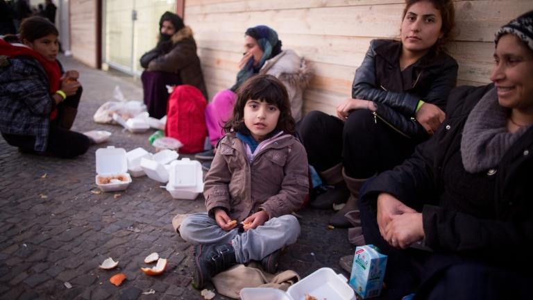 24 часа Бежанците в ЕС затворени, докато свършат войните 4