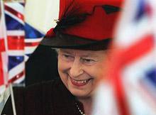 """""""Сръчкайте"""" Елизабет II във Facebook"""