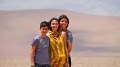 Княз Кирил заведе децата си на ваканция в пустинята