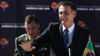 Болсонару: Работим със САЩ за дестабилизиране на венецуелската армия