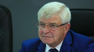 МЗ мисли дали да го има Обществения съвет към Фонда за лечение на деца