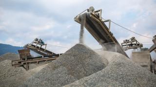 Фондове с $2 милиарда активи искат циментовата индустрия да намали парниковите си газове