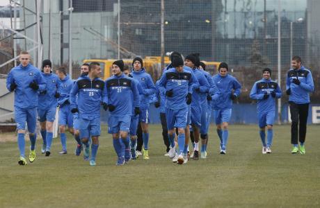 Левски стартира с 19 футболисти, без нови и титуляри