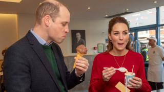 Уилям и Кейт си ближат сладоледа