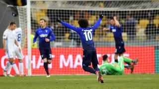 Лацио се скъса да пропуска, но все пак елиминира Динамо