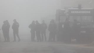 Обвиниха двамата задържани за бой срещу полицаи в Мъглиж