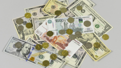 Един долар надхвърли 70 рубли