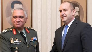 Президентът обсъди политиката за сигурност и отбрана на ЕС с генерал Костаракос