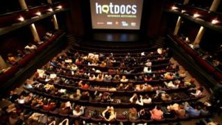 """Български режисьор триумфира с награда за млад талант на """"Hot Docs film festival"""""""