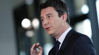 Кандидатът на Макрон за кмет на Париж се оттегли заради секс видео