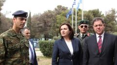 Бъчварова и Ненчев обсъдиха в Гърция справянето с мигрантския поток