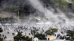 20 загинали и около 90 ранени при три поредни взрива на погребение в Кабул