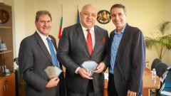 Министър Кралев се срещна с президента на Международната тенис федерация Дейвид Хагерти