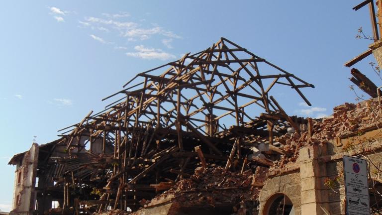Поне 100 хиляди лева трябват за укрепването на Тютюневия склад