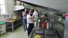 Всички общински детски кухни в София продължават да работят