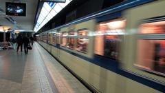 Пускат метрото до летището през април, готово е 72%