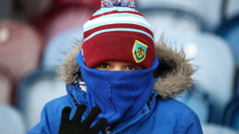 Английският елитен Бърнли затвори стадиона си. Всички достъпни за фенове