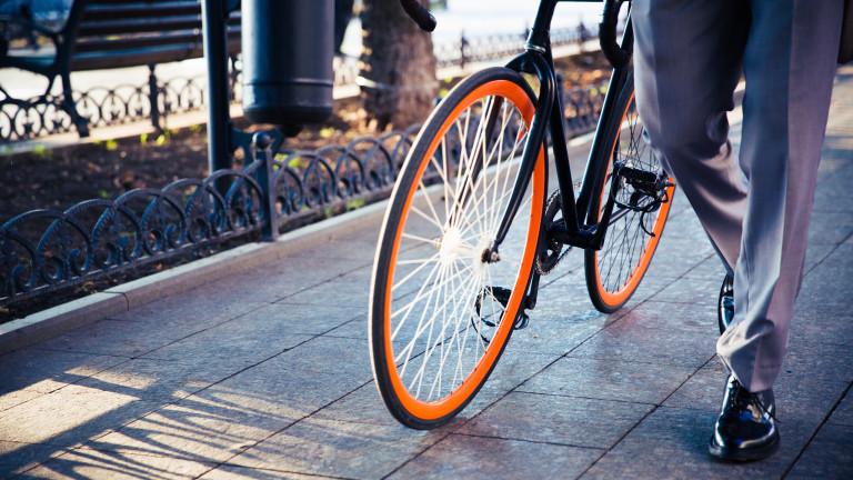 И ходенето пеша, и карането на колело до работа намаляват