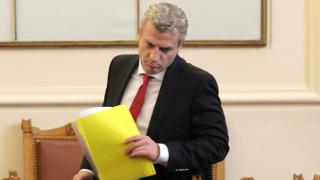 Москов се чуди дали изобщо ще бъде внесен вот на недоверие за здравеопазването