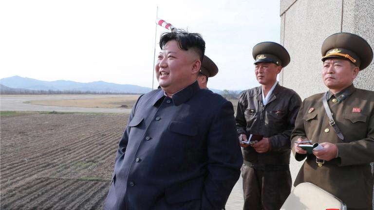 Снимка: Ким Чен-ун внезапно провери войските за противовъздушна отбрана