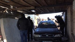 Започна събаряне на незаконни колиби в ромската махала във Войводиново