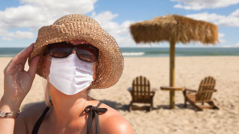 Живее ли коронавирусът на плажа