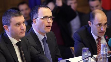 Горанов потвърди, че ще се изчака с промените за пенсионните фондове