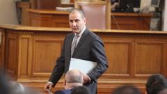"""Цветанов предупреди, че Радев няма да """"прелее"""" подкрепа към БСП"""
