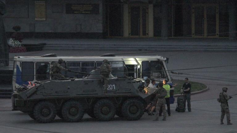 Украинският президент Владимир Зеленски защити решението си да удовлетвори странното