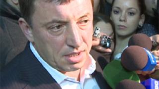 Алексей Петров съди Сидеров за 50 ст. и извинение