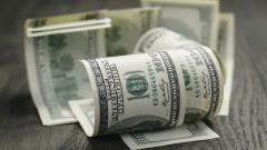 Доларът е в отбранителна позиция преди заседанието на Фед