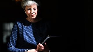 Засилват натиска над Тереза Мей за оставка