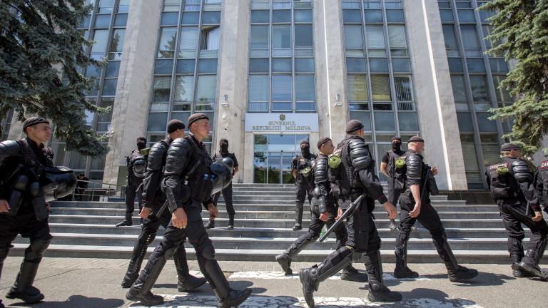 Правителството на Молдова подаде оставка, но поиска предсрочни избори