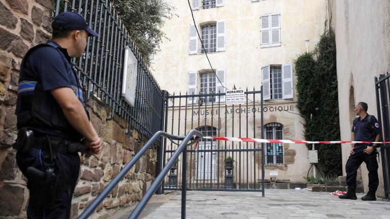 Френската полиция e успяла да задържи мъж, който се е