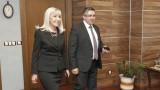 Новият министър Аврамова приема стария за свой заместник