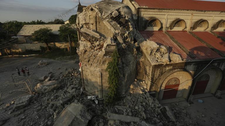 Снимка: Ново силно земетресение удари Филипините