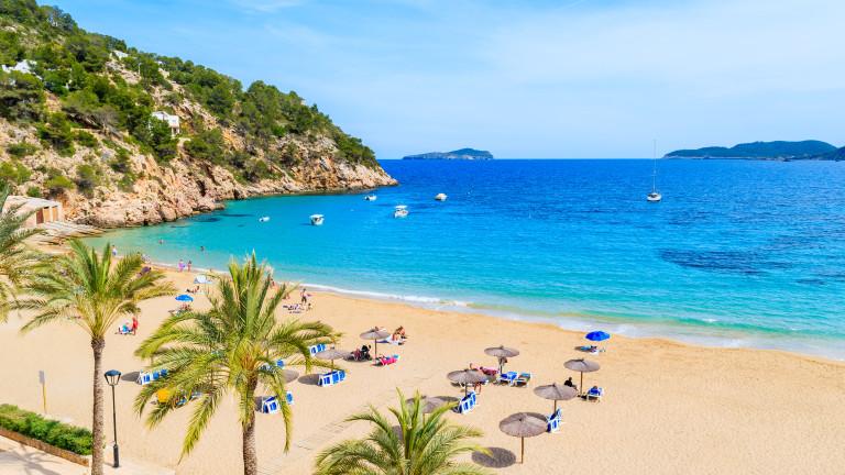 От юли чуждестранните туристи могат да резервират почивки в Испания