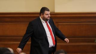 Питат ЦИК има ли Пеевски право да се кандидатира за ЕП