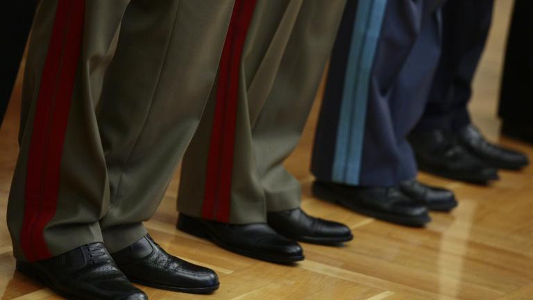 Армията ни по мускули - с мокри кърпички и салфетки, брани браздата