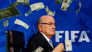 Обвинената в корупция FIFA харчи по $115 милиона за заплати на само 474 служители